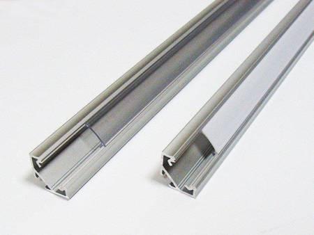 Profil narożny srebrny anodowany typ C 1 metr